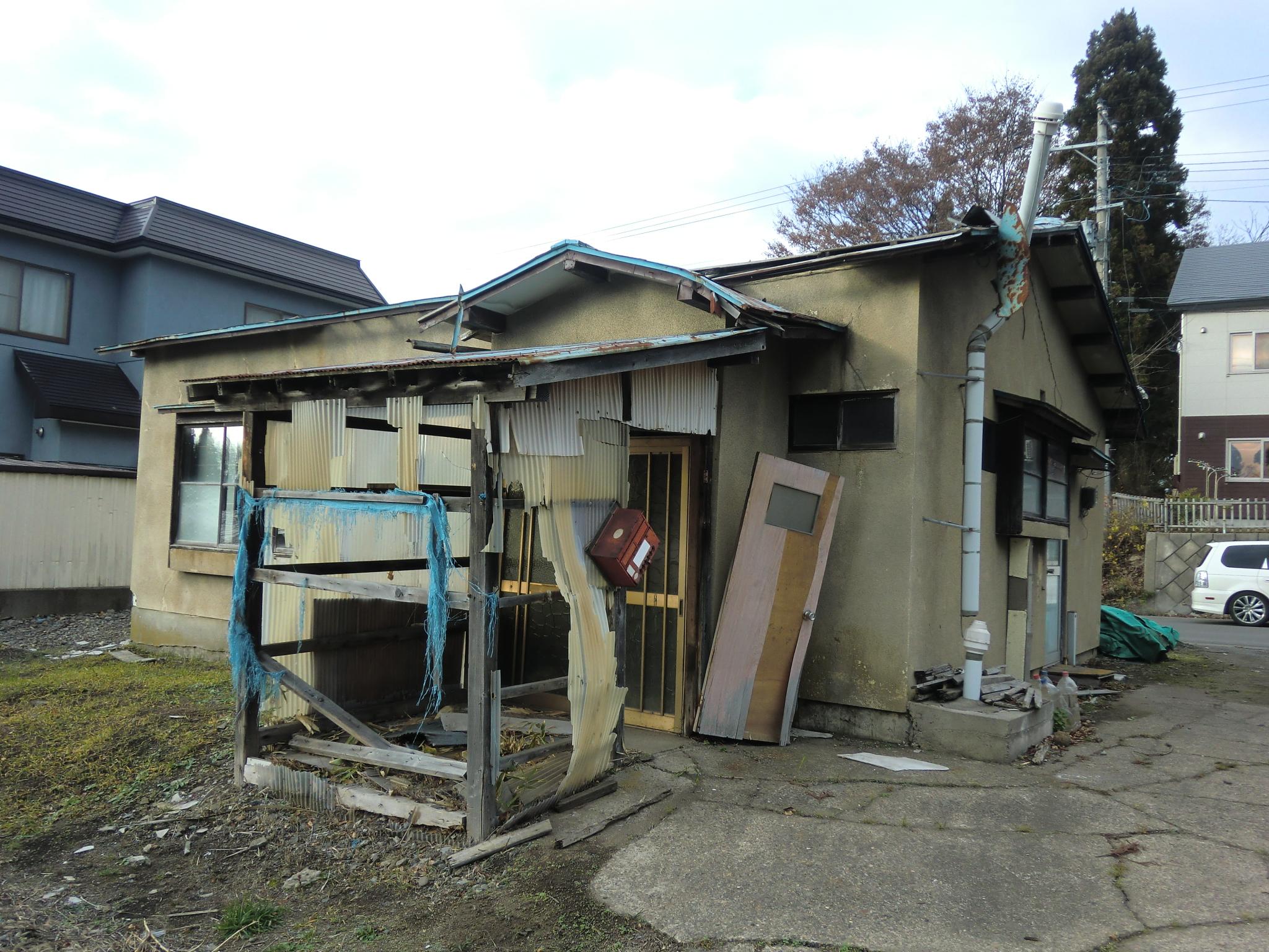 青森市内の解体家屋:施工前